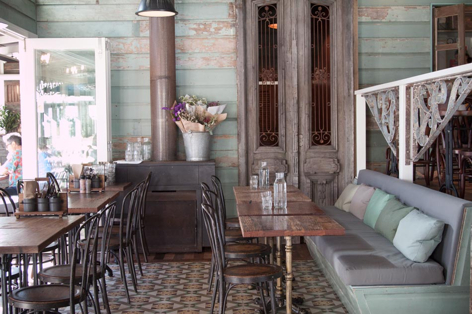 Byron Fresh Cafe Interiors